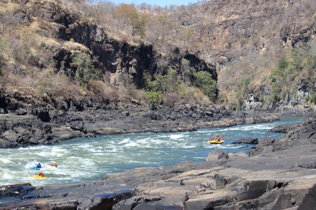 kayaking destinations zambezi river